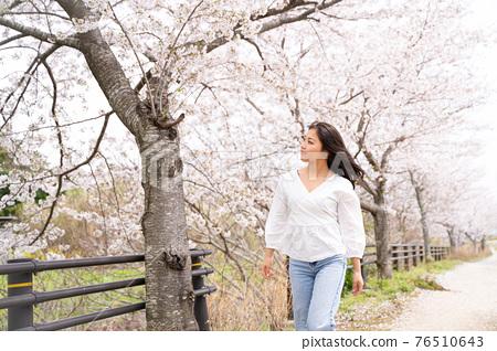 櫻桃女人肖像 76510643