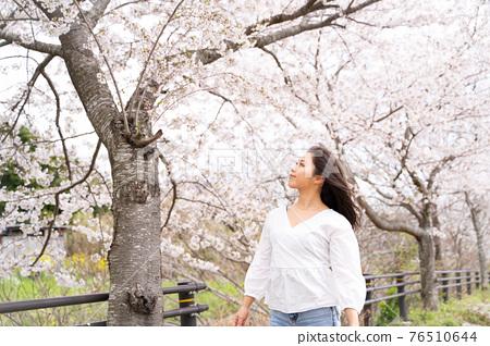 櫻桃女人肖像 76510644
