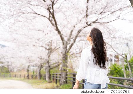 櫻桃女人肖像 76510768