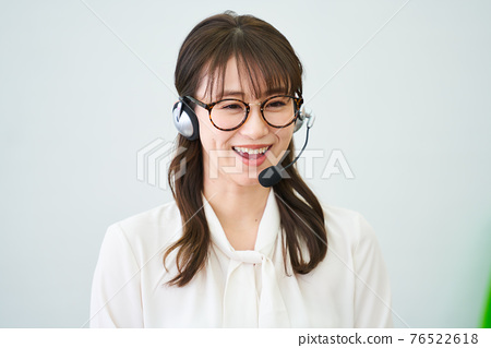 female, lady, woman 76522618