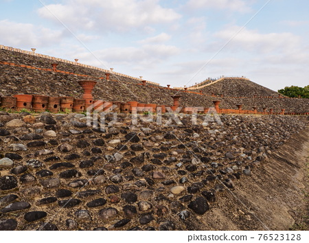 barrow, ancient tomb, tomb 76523128
