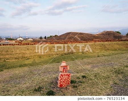 barrow, ancient tomb, scape 76523134