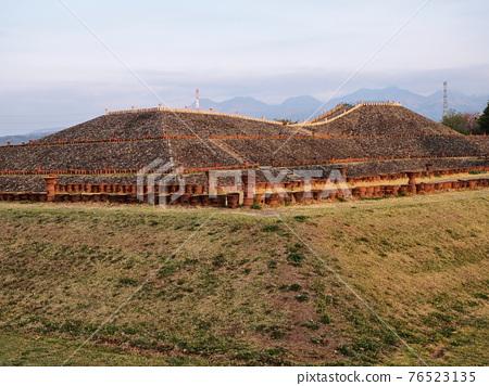 barrow, ancient tomb, historic ruin 76523135