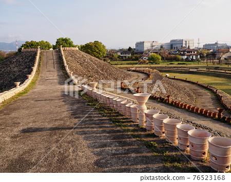 barrow, ancient tomb, tumulus period 76523168