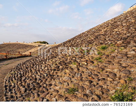 barrow, ancient tomb, tumulus period 76523169