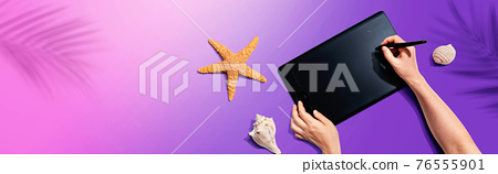 Graphic pen tablet with starfish and sea shells 76555901
