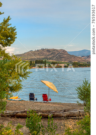 Tourist camp ground on the shore of the lake 76593617