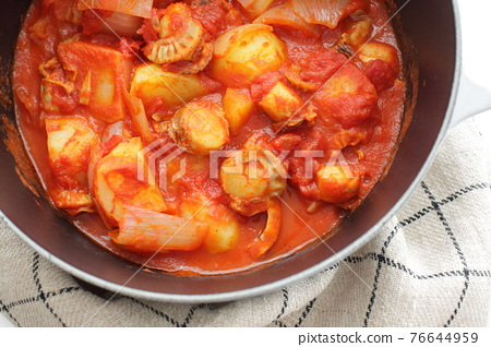 stewed, boiled dish, scallop 76644959
