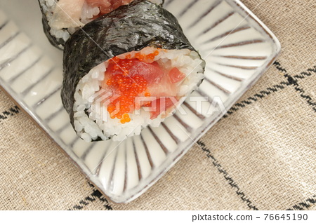 futomaki, thickly rolled, sushi 76645190