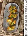 Butter garlic baguette 76651952