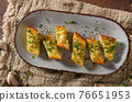 Butter garlic baguette 76651953