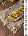 Butter garlic baguette 76651956