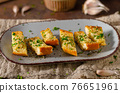 Butter garlic baguette 76651961