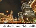 從大阪市中心的中之島錦橋看到城市的夜景 76689686
