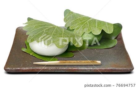 柏市麻薯(包裹在橡樹葉子裡的年糕) 和果子 日本糖果 76694757