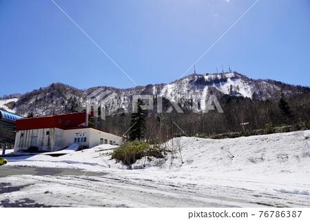 sapporo, fallen snow, snow mountain 76786387