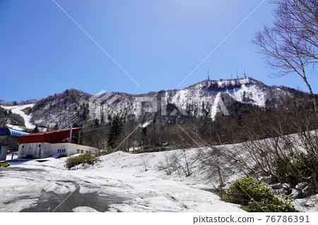 sapporo, fallen snow, snow mountain 76786391