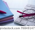 商業形象·筆記本·PC·眼鏡·女性 76849147