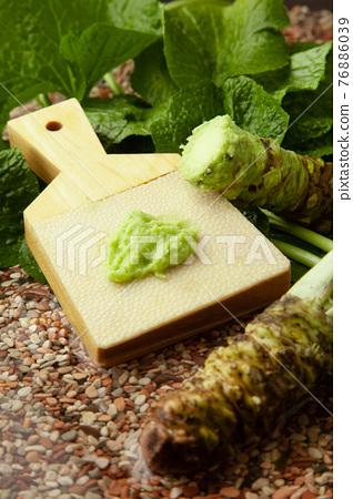 Grated wasabi 76886039