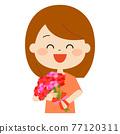 有花束的一名微笑的婦女 77120311