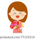有花束的一名微笑的婦女 77120314