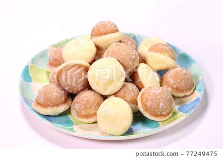castellammare, castella, baked good 77249475