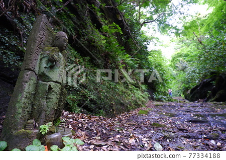 ancient morality, old road, ksitigarbha 77334188