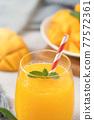 果汁水果汁果汁夏季飲料新鮮芒果多汁芒果汁芒果 77572361