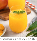果汁水果汁果汁夏季飲料新鮮芒果多汁芒果汁芒果 77572363