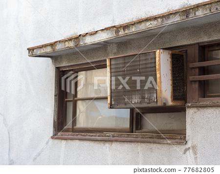 air conditioning, old, retro 77682805