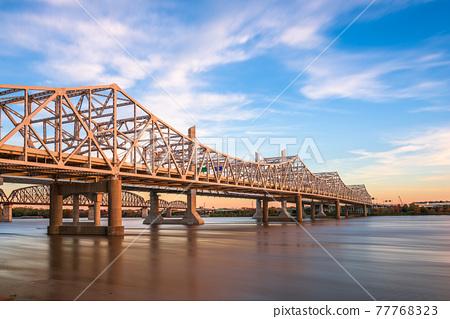 Louisville, Kentucky, USA with John F. Kennedy Bridge spanning the Ohio River 77768323