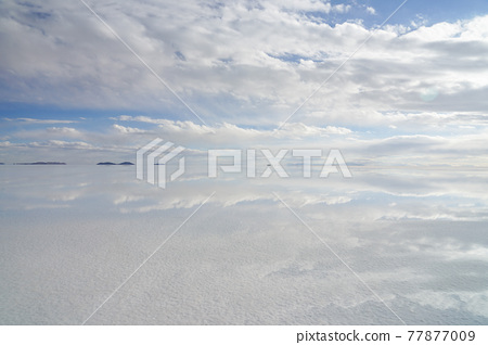 Uyuni salt lake 77877009