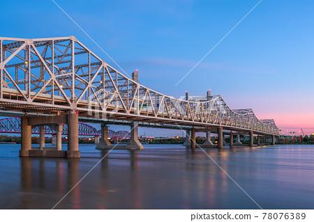 Louisville, Kentucky, USA with John F. Kennedy Bridge spanning the Ohio River 78076389