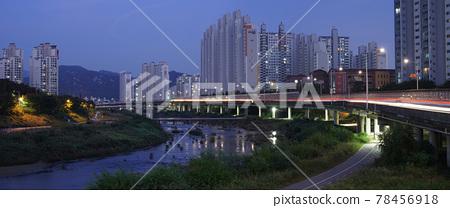 한국 안양 시티의 야경 78456918