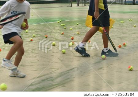 Tennis court practicing 78563584