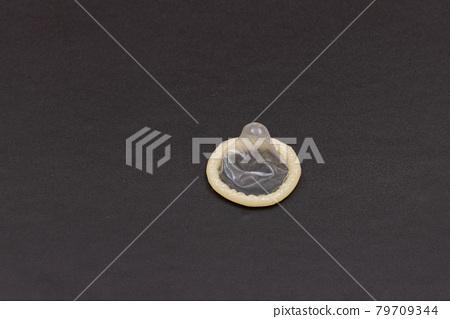Unpacked Latex Condom 79709344
