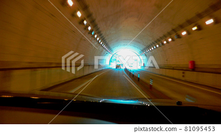 tunnel, vehicle, caster 81095453