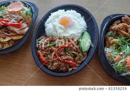 Thai food takeaway 81358259