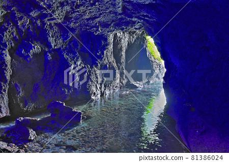 [Oku Noto Suzu Cape (Blue Cave)] Jike, Misakimachi, Suzu City, Ishikawa Prefecture 81386024