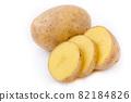 ripe potato tubers 82184826