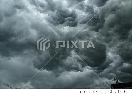 快速發展的雷雲 82218169