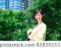 城市中的年輕女商人 82830151