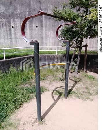 Japanese park health equipment hanging 82866269